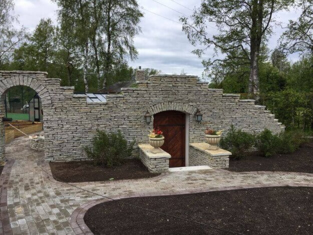 A wine cellar underground? Yes, the best for preserving wine!